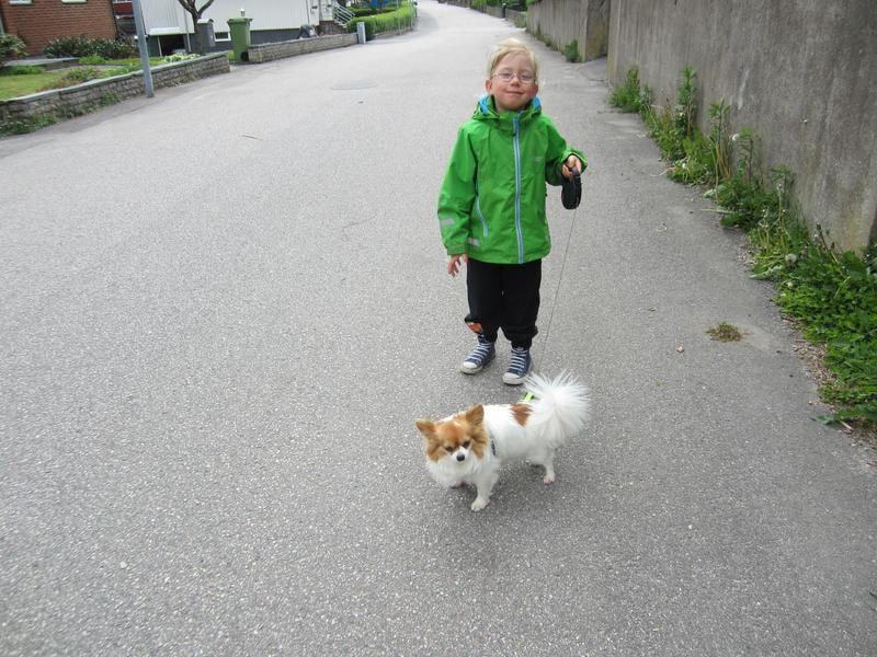 94/wilma-och-hampus-pa-promenad-i-bramhult-94.jpg